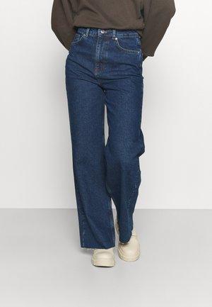 WIDE LEG - Jeansy Dzwony - indigo blue