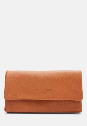 Wallet - caramel