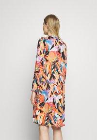 Emily van den Bergh - MIDI - Denní šaty - multicolour - 2