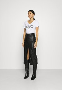 Liu Jo Jeans - MODA  - Print T-shirt - bianco ottico - 1