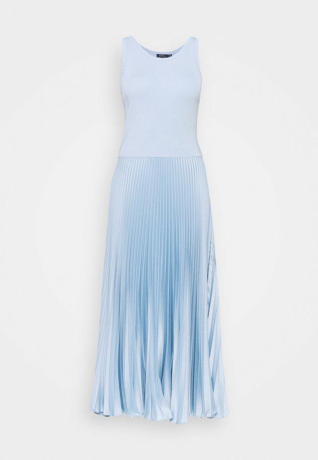 Korte jurk - pale blue