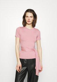 Trendyol - Print T-shirt - rose - 0