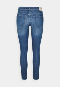 ONLY - ONLCARMEN RAW - Jeans Skinny Fit - medium blue denim - 7