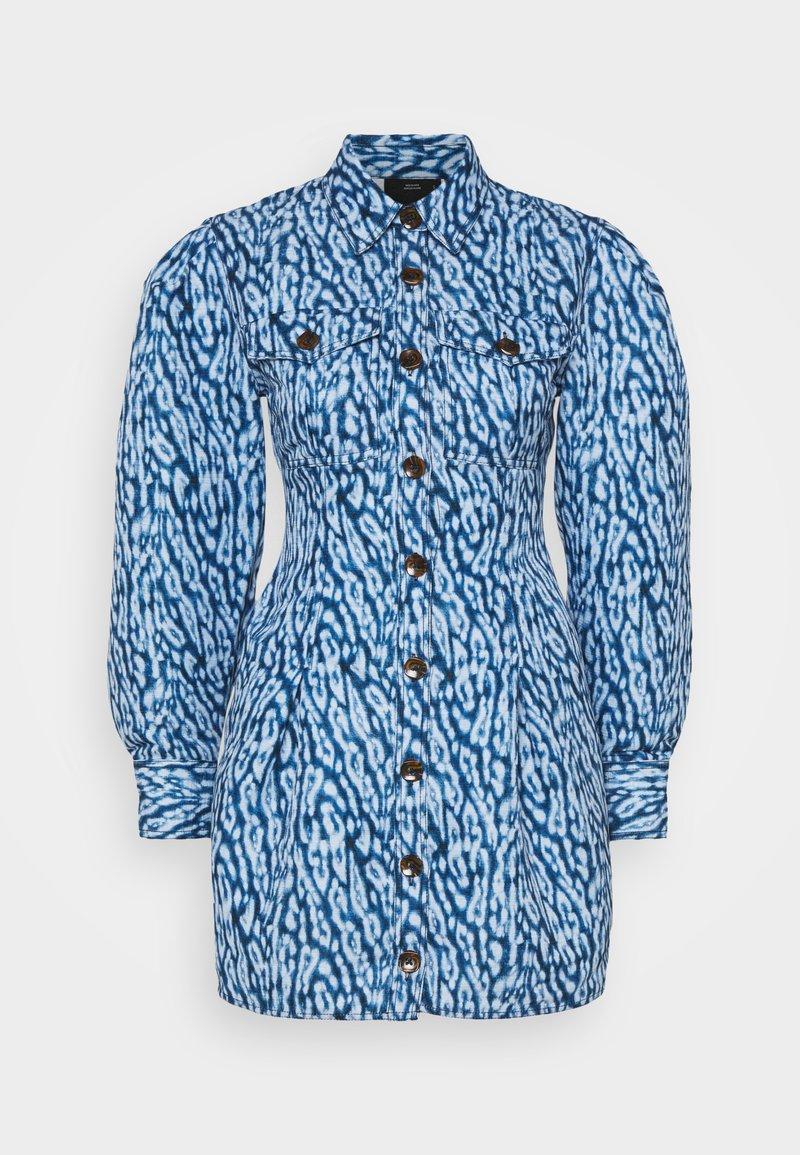 CMEO COLLECTIVE - GOOD LOVE DRESS - Košilové šaty - indigo leopard