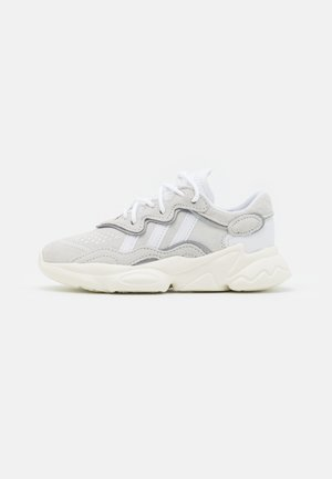 OZWEEGO UNISEX - Sneakers - crystal white/footwear white/offwhite