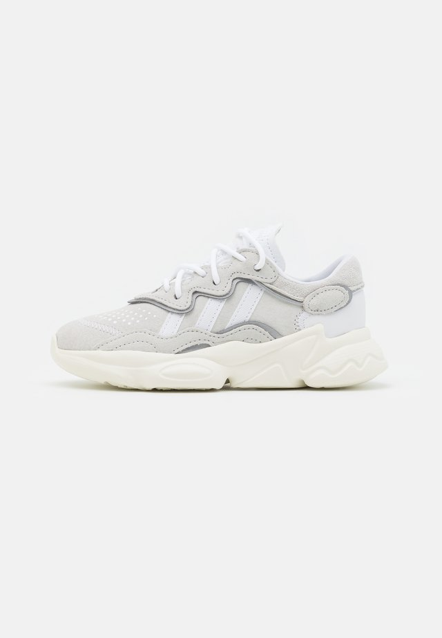 OZWEEGO UNISEX - Trainers - crystal white/footwear white/offwhite