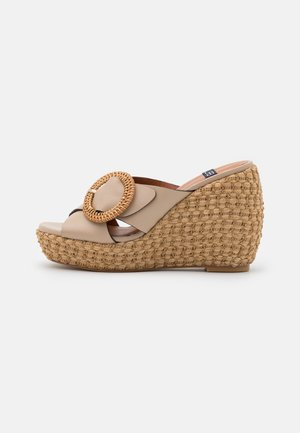Heeled mules - dream