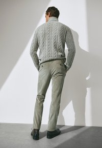 Massimo Dutti - SLIM-FIT LIMITED EDITION  - Chino - light grey - 5