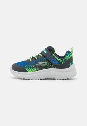 GO RUN 650 NORVO UNISEX - Neutral running shoes - navy/lime