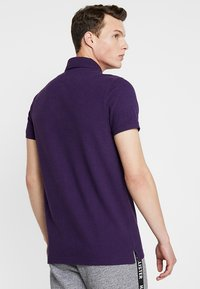 Hollister Co. - HERITAGE - Polo - berry - 2