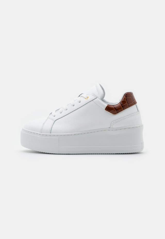 ELDEN - Trainers - white