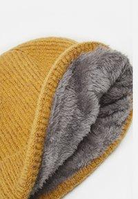 Bickley+Mitchell - BEANIE - Bonnet - dark yellow - 2