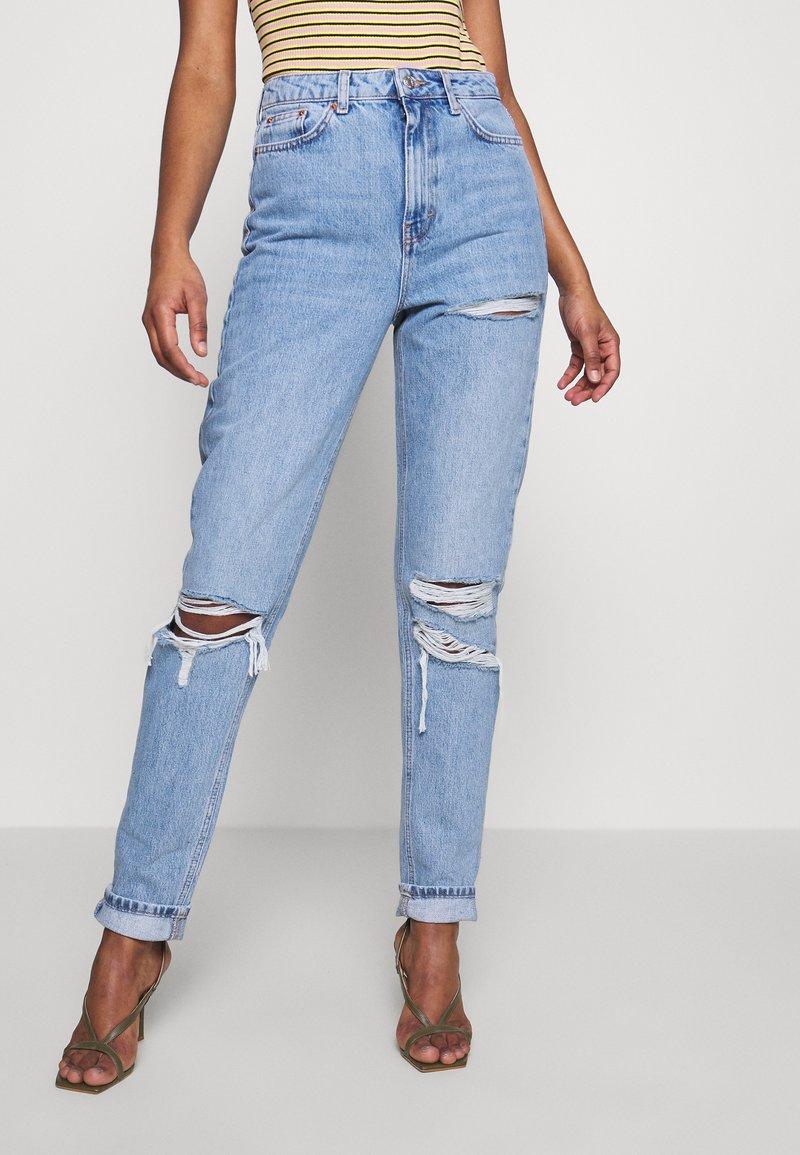 Topshop Tall - MOM TOKYO RIP - Straight leg jeans - bleach