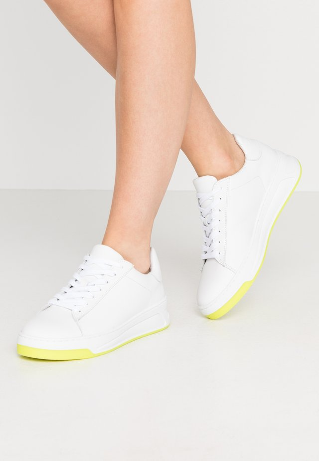 BIADAELYN  - Sneakers laag - neon yellow
