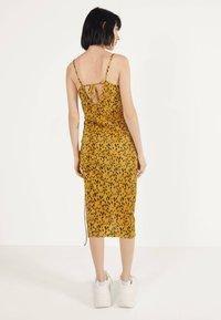 Bershka - Robe d'été - mustard yellow - 2