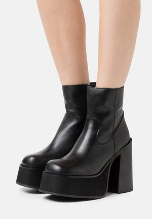 BOOT PLATFORM - Platform ankle boots - black