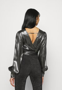 Gina Tricot - ANN OPEN BACK BLOUSE - Bluser - silver - 2