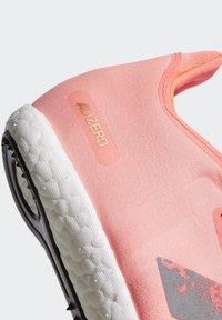 adidas Performance - ADIZERO AVANTI SPIKES - Spikes - pink - 7
