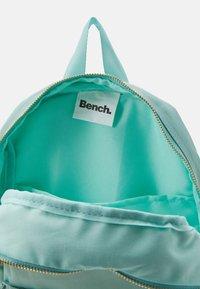 Bench - BACKPACK SMALL - Zaino - pastel green - 2