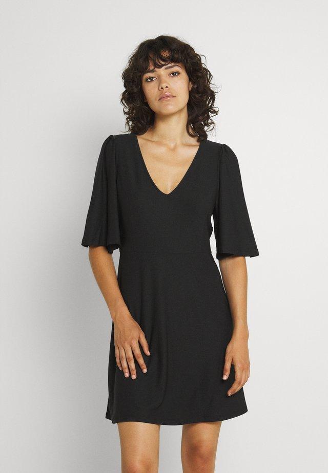 VMODETTA DRESS - Jerseykleid - black