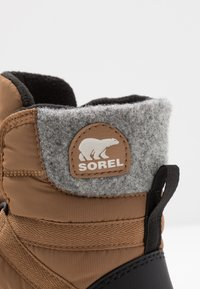 Sorel - YOUTH WHITNEY SHORT LACE - Vinterstøvler - camel - 2