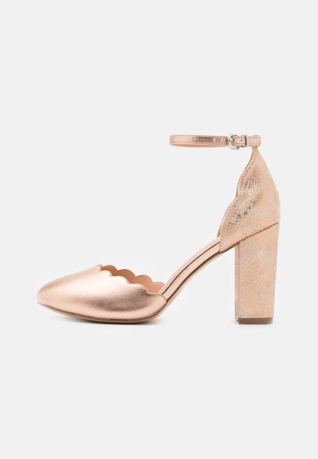 WIDE FIT WHISPER - Decolleté - rose gold