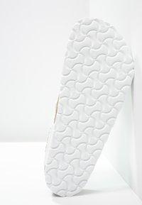 Birkenstock - GIZEH - T-bar sandals - white - 5
