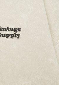 Vintage Supply - CORE OVERDYE HOODIE - Sweatshirt - beige - 2