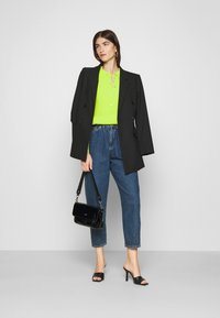 Who What Wear - COLLARED CARDIGAN - Cardigan - acid lime - 1
