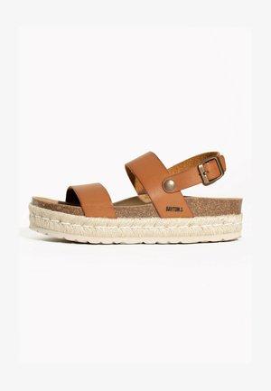 GACEO - Sandalen met plateauzool - camel