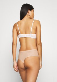 Chantelle - SOFTSTRETCH THONG - Thong - nude - 2
