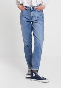 Topshop - MOM NEW - Relaxed fit jeans - blue denim - 0