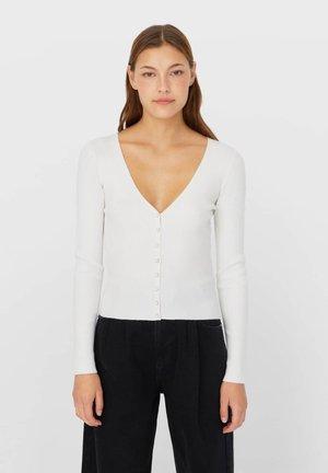 MIT KNÖPFEN - Cardigan - white