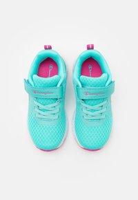 Champion - LOW CUT SHOE BOLD UNISEX - Zapatillas de entrenamiento - turquoise - 3