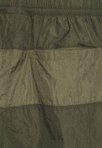Nike Sportswear - Shorts - medium olive/khaki - 3