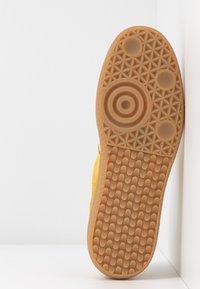 DL Sport - Sneakersy niskie - safran - 6