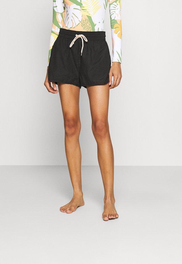 TURVI WOMENS SHORT - Pyžamový spodní díl - black