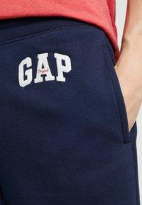 GAP - ORIG ARCH - Pantalones deportivos - tapestry navy - 3