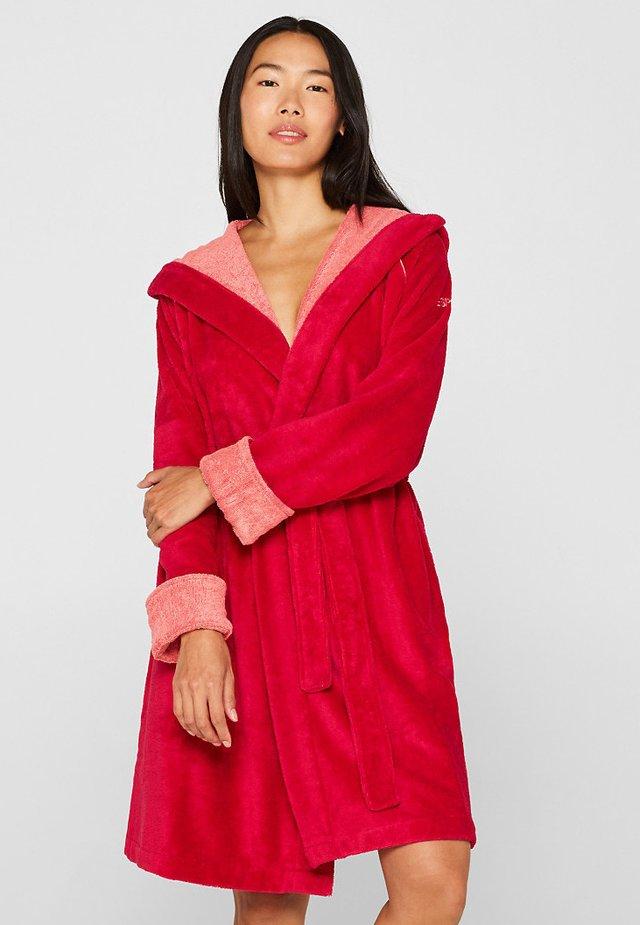 Dressing gown - raspberry