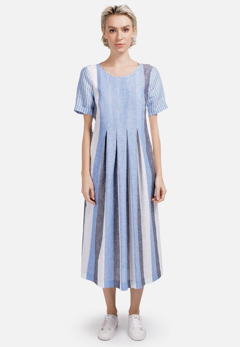 HELMIDGE - Day dress - weiss hellblau