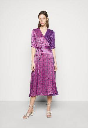 BELLE - Day dress - fuschia