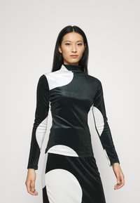 Who What Wear - MOCK NECK - Long sleeved top - black/white - 0