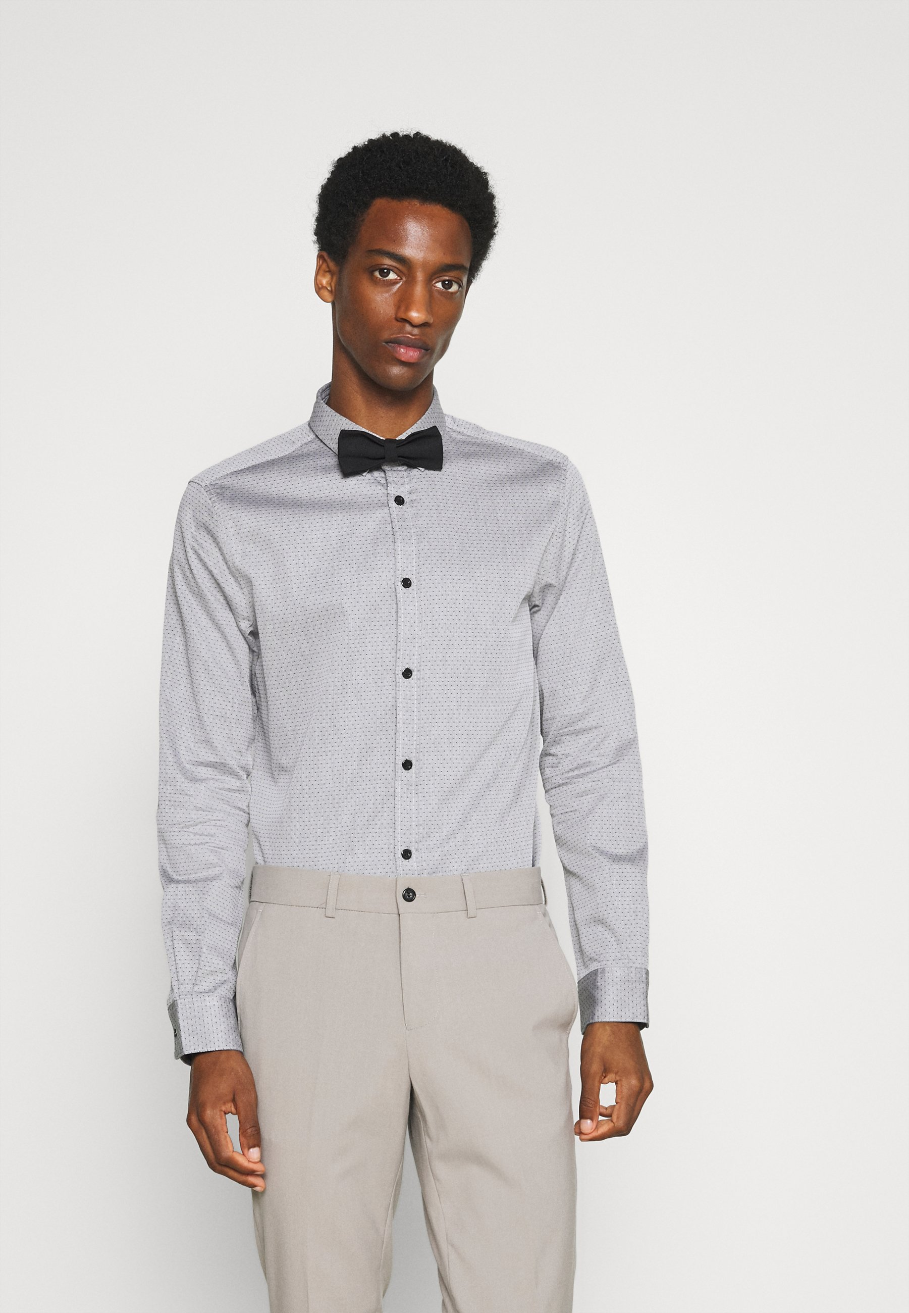 Men FITTED EASY CARE WITH BOWTIE - Shirt