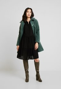 Freequent - FQFLOW SOLID - Shirt dress - black - 1