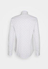 Calvin Klein Tailored - PRINTED SLIM SHIRT - Formal shirt - white - 1
