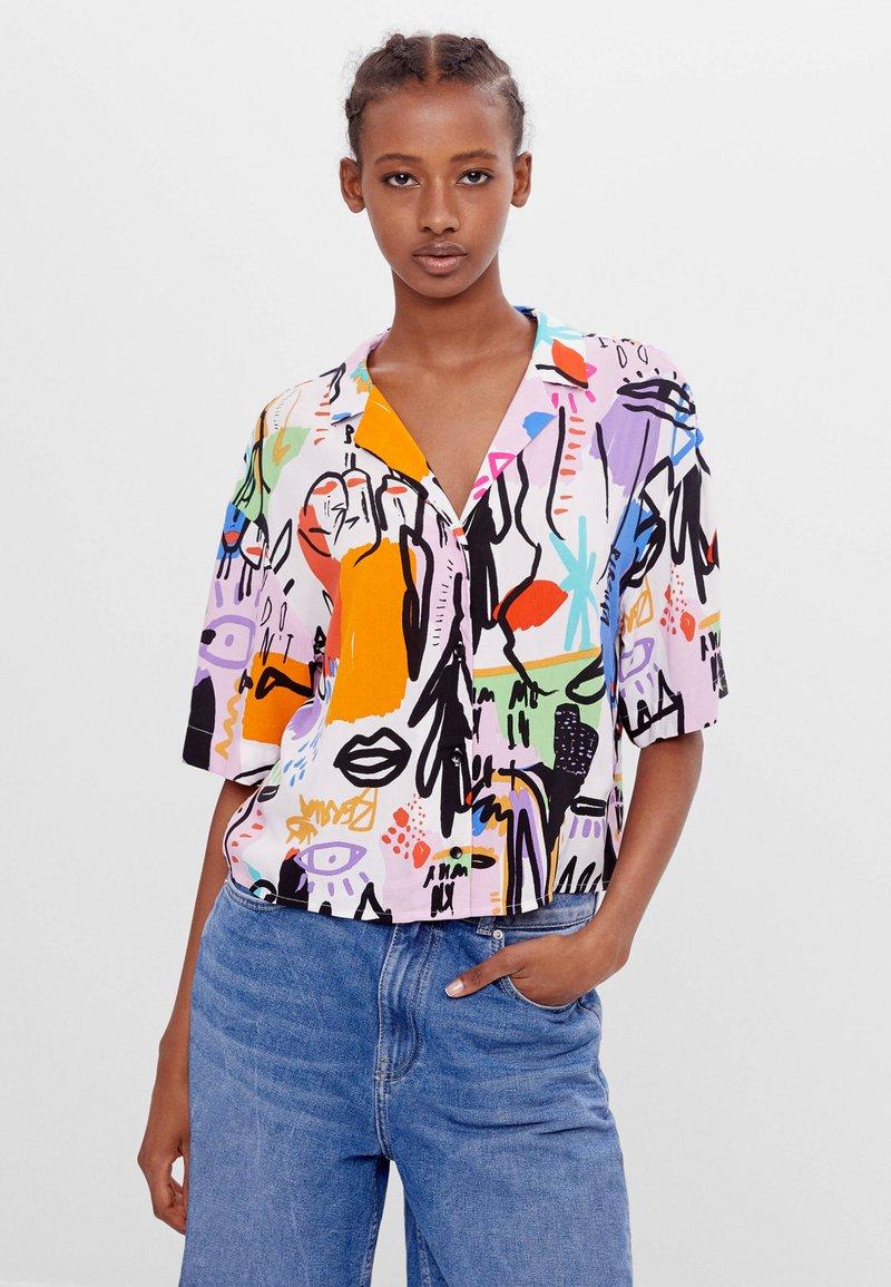 Bershka - MIT BUNTEM  - Button-down blouse - stone