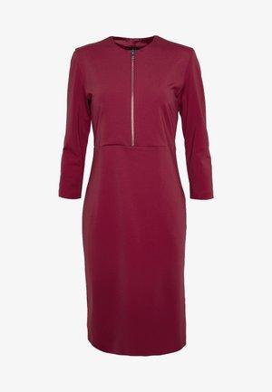 PANNACOTTA ABITO PUNTO STOFFA - Sukienka etui - rosso persiano