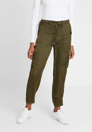 CARGO POLYWASHED - Trousers - greens