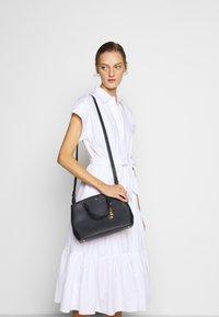 Lauren Ralph Lauren - MINI ZIP SATCHEL - Handbag - navy - 1