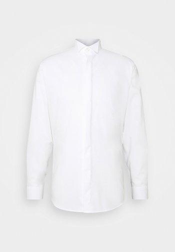 SLHSLIMTRISTAN TUX - Kostymskjorta - bright white